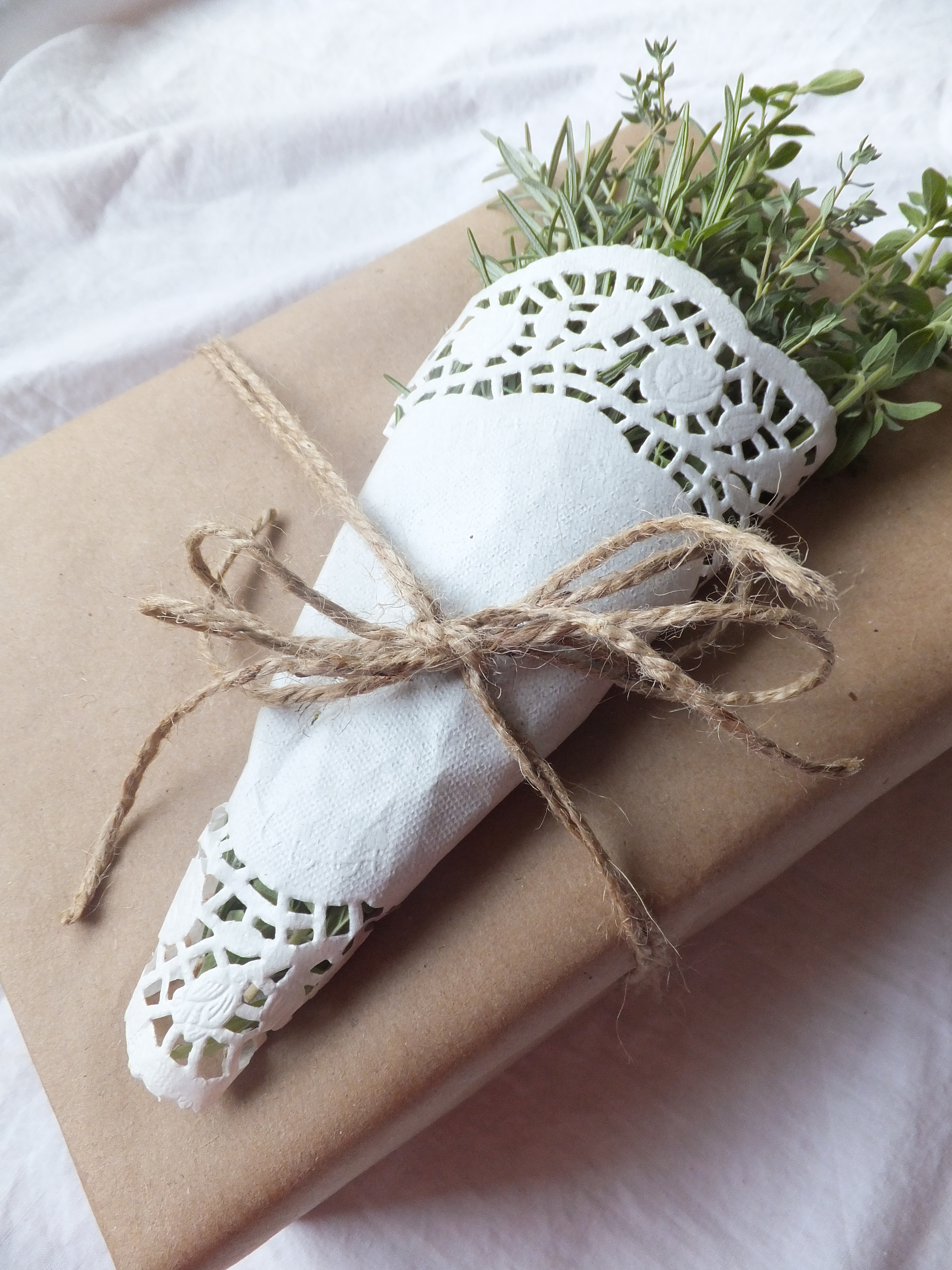 8 Ideas for Simple Wrapping with Herbs and Paper DoiliesArt Is